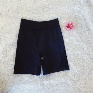 euc aerie move biker shorts